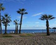 Uw eigen nieuwe Appartement in MIJAS met terras aan zee en zwembad