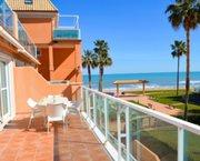 Uw Appartement in DENIA aan zee bij zwembad met garage en terras