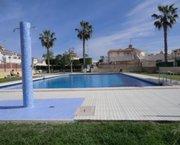Uw eigen Vakantiehuis in TORREVIEJA met meubels bij mooi zwembad