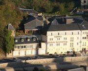 ARDENNEN-SEMOIS : 6830 Bouillon, mooi hotel, terras en wellness.