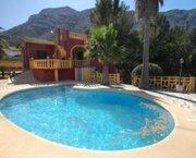 Uw Villa in DENIA met zwembad en terrassen op mooi landgoed