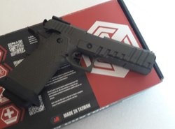 Colt 2011 AW Custom green airsoft pistool