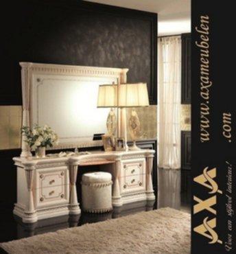 meubelen - Italiaanse Hoogglans slaapkamers bedden kasten AXA ...