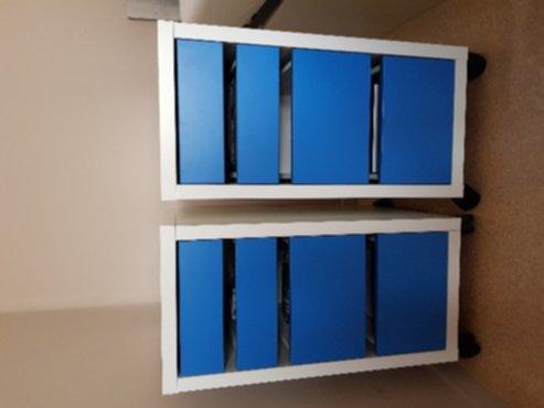Meubelen bureau ladeblokken op wielen ikea micke wit blauw