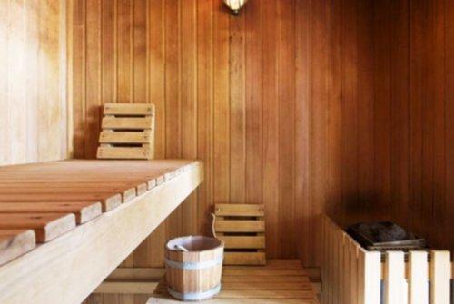 vakantiewoningen verblijf met zwembad sauna en jacuzzi. Black Bedroom Furniture Sets. Home Design Ideas