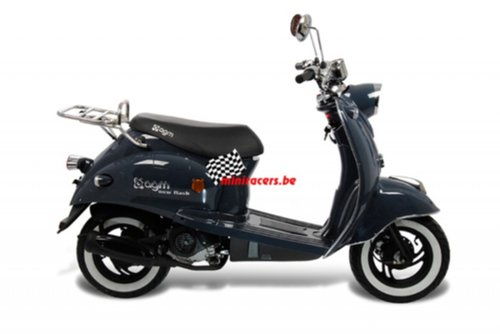 9d5/scooter-agm-flash.jpg