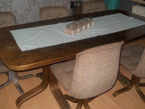 Meubelen retro tafel 6 stoelen for Retro tafel