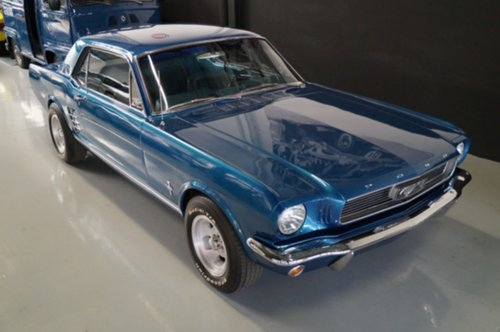 b12/ford-mustang-coupe-v8-new-351-engine-loud-en-fast-1966.jpeg