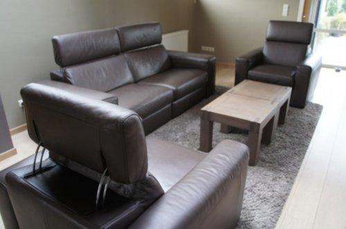 meubelen bruine lederen zetel natuzzi. Black Bedroom Furniture Sets. Home Design Ideas