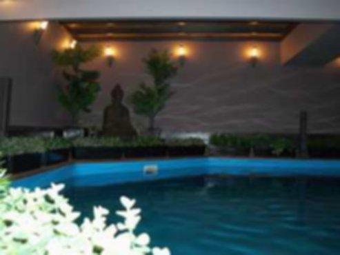 Vakantiewoningen luxe villas met zwembad sauna jacuzzi for Luxe villa met zwembad