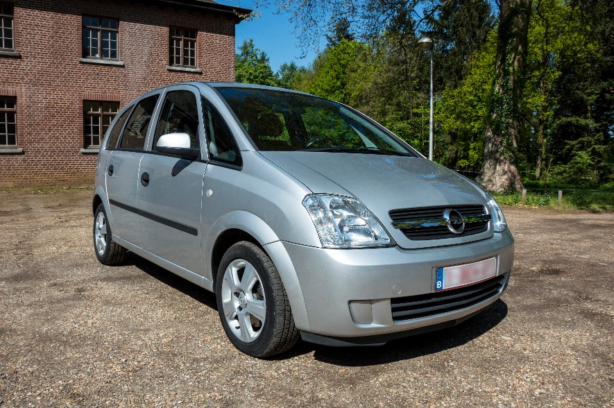 autos opel meriva met hoge instap diesel 2005 km. Black Bedroom Furniture Sets. Home Design Ideas
